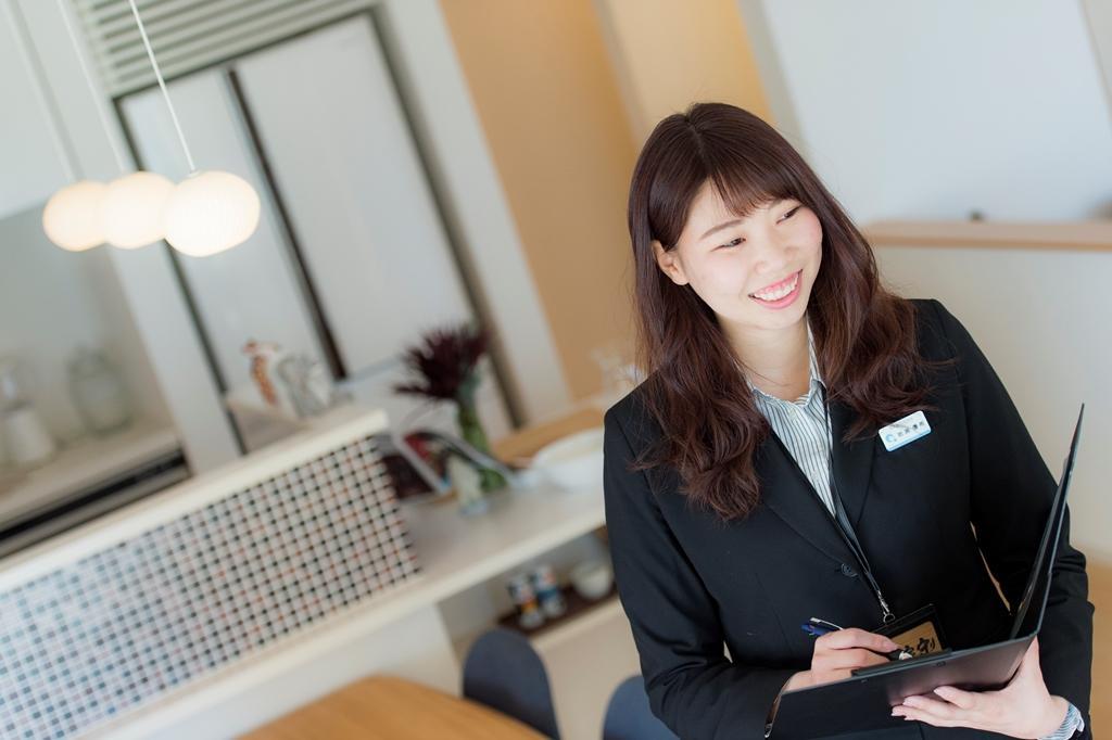 アキュラホームの社員紹介 浜松展示場 営業〜岩瀬 優希〜